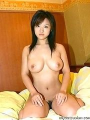 Amateur shows her big tits and pussy