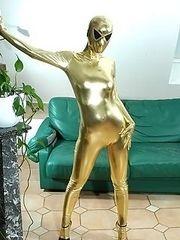Goldenspandexgirlwithalieneyes