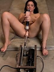 New girl never had orgasm tries the sybian,machine fucked too.