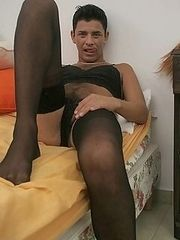 Horny stud crossdressing and jerking off in the bed