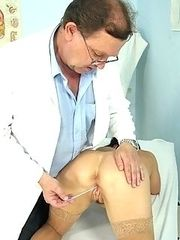Mature Livie gets her milf pussy gyno examined