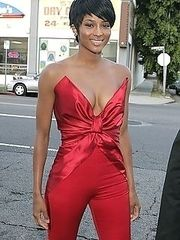 Ebony celeb Ciara showed up with camel toe