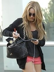 Amanda Bynes tight jeans and shorts cameltoe