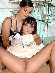Doctor lady Eve examining Jeny Baby