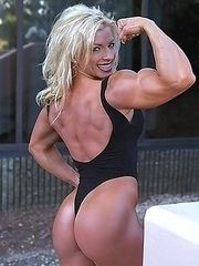 For fans of huge muscle women.