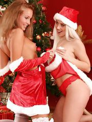 Hotties in Santa outfits nude and lap pussies
