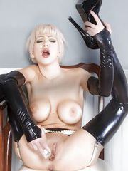 Naughty Frankie plays with herself in latex