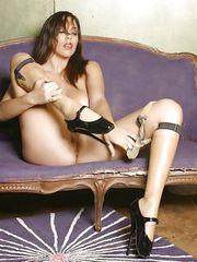 Classy model Jelena offers her body