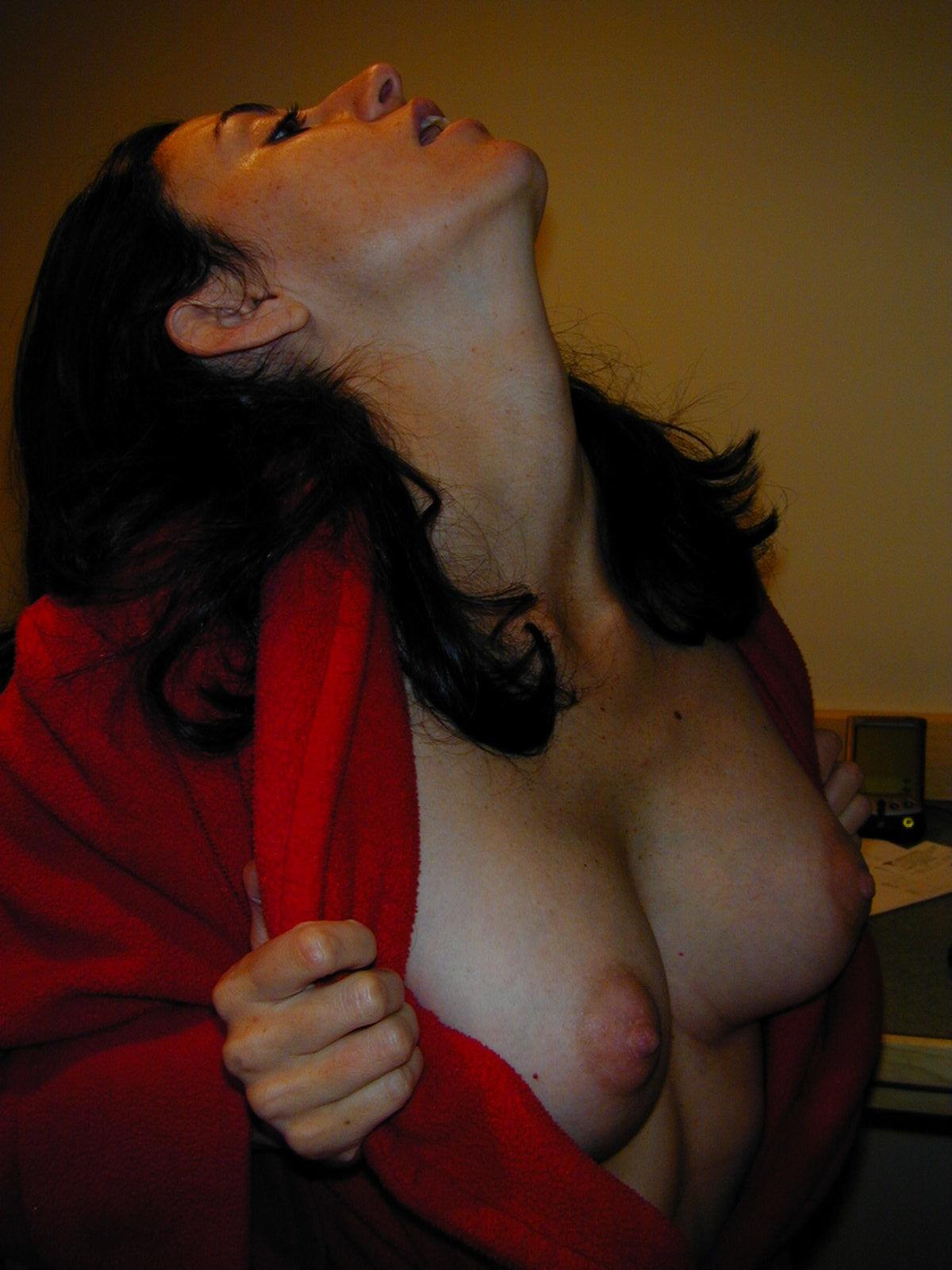 Соски женщины в возрасте 18 фотография