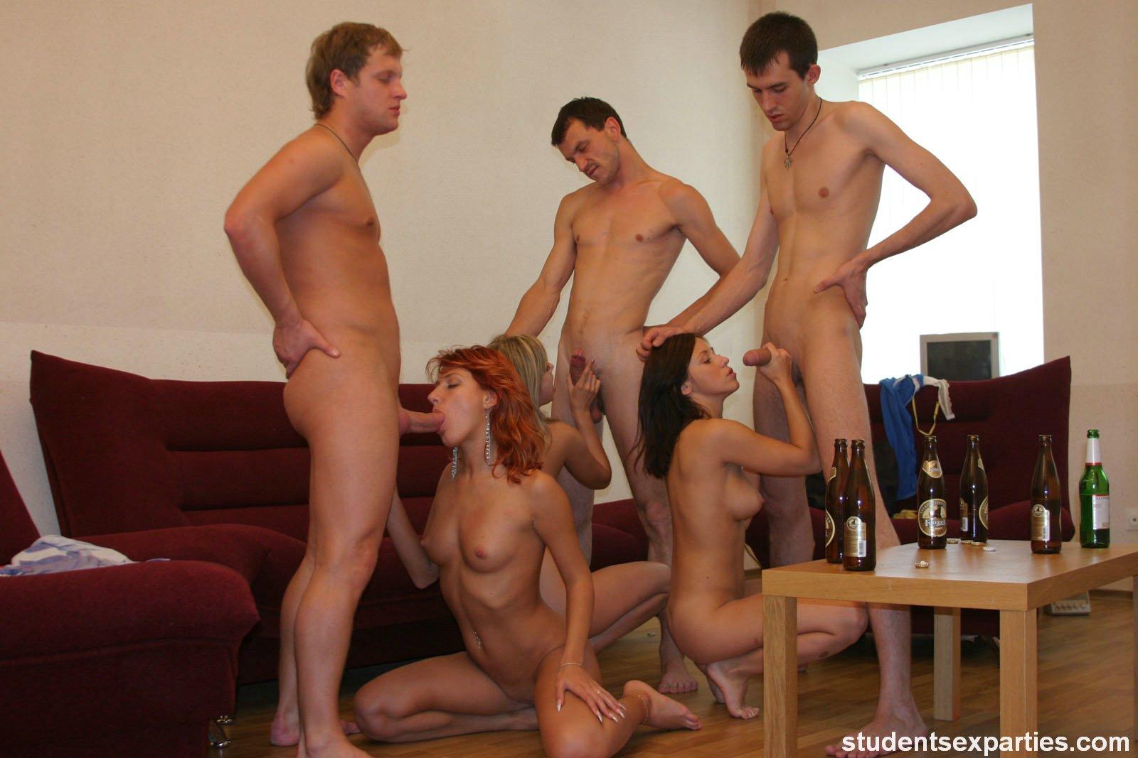 Секс одногруппницей на вечеринке 22 фотография