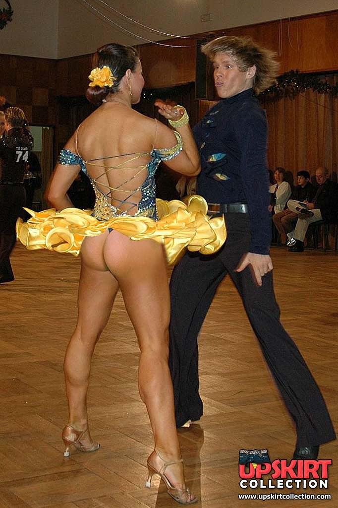 video-tantsi-devushki-erotika