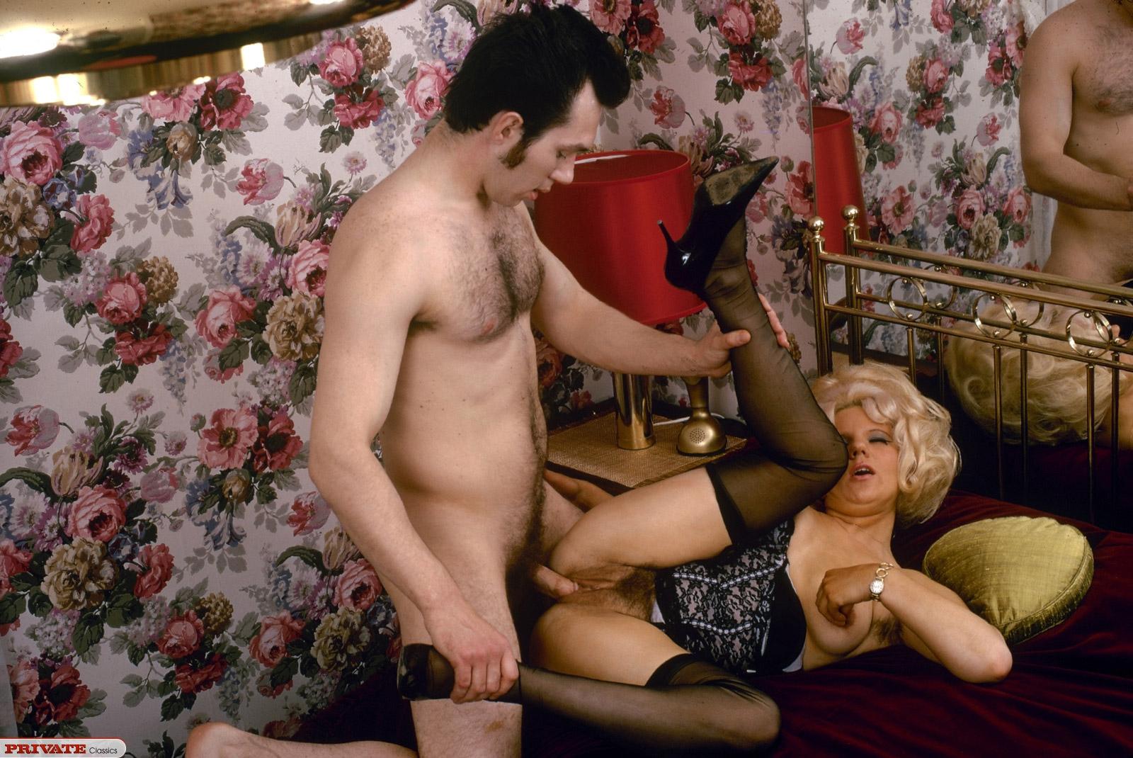 porno-domashniy-striptiz-smotret-onlayn