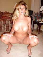 Big fat naked wet titties
