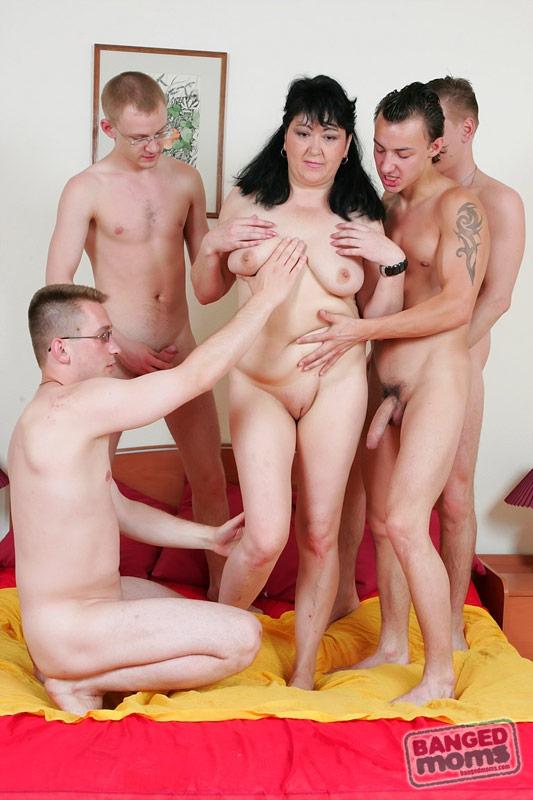 Порно молодых ребят бесплатно