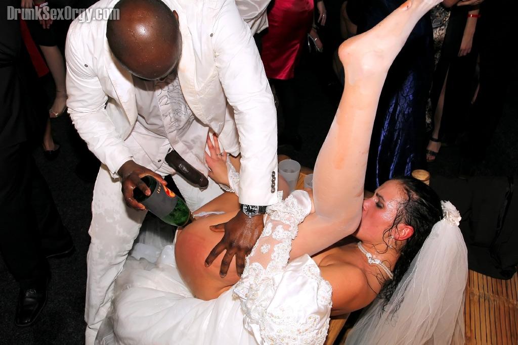 Украли и чпокнули невесту на глазах у жениха ФОТО