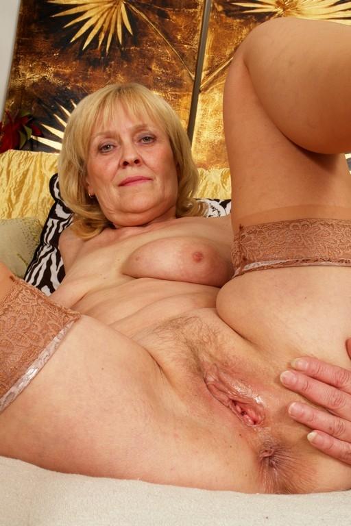 жена красавица смотреть порно